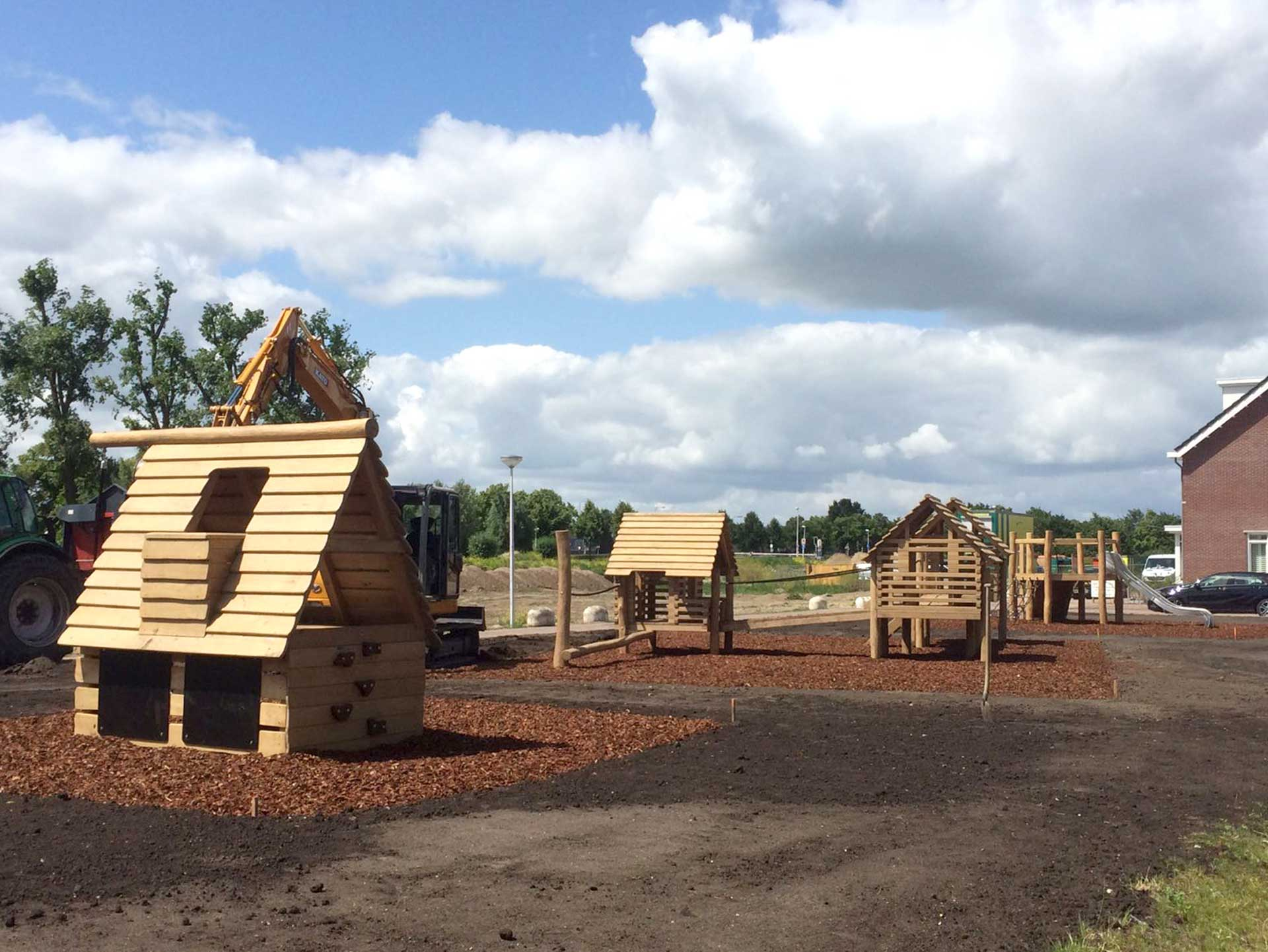 aanleg houten speeltuin
